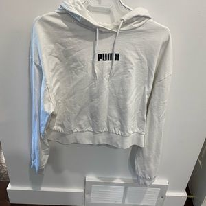 Size medium hoodie by Puma- perfect condition - vintage